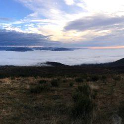 Lago Maggiore unter Wolken
