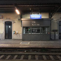 Bahnhof in Stresa bei Nacht